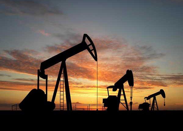 El petróleo de Texas sube un 0,82 % y cierra en 53,18 dólares el barril