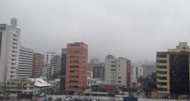 Bajas temperaturas de 10 °C afectan a Quito