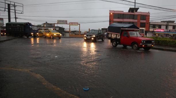 Fuerte Lluvia en Santo Domingo de los Tsachilas