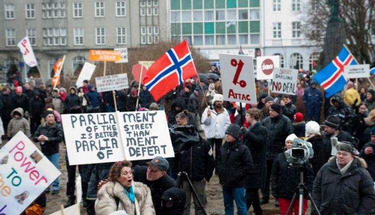 Islandia decidió no rescatar a sus bancos pero salvó su economía
