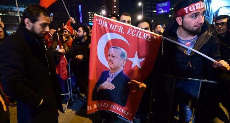Turquía se enfrenta a UE tras impasse con Holanda