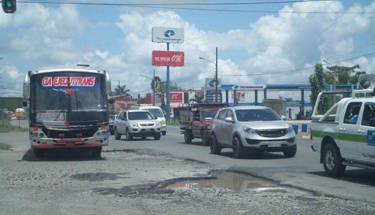 Los trabajos en las calles de Santo Domingo están a medias