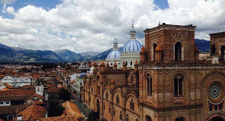 Rafael Correa: Un saludo cariñoso a Cuenca por sus 460 años de Fundación
