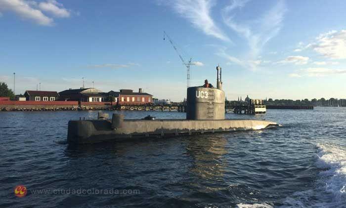 El submarino con la mujer no identificada en su castillo, en el puerto de Copenhague, el pasado día 11.