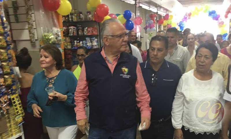 Alcalde inaugura Mercado 30 de Julio