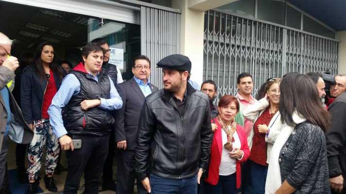 Periodista Luis Eduardo Vivanco es investigado por delito de intimidación