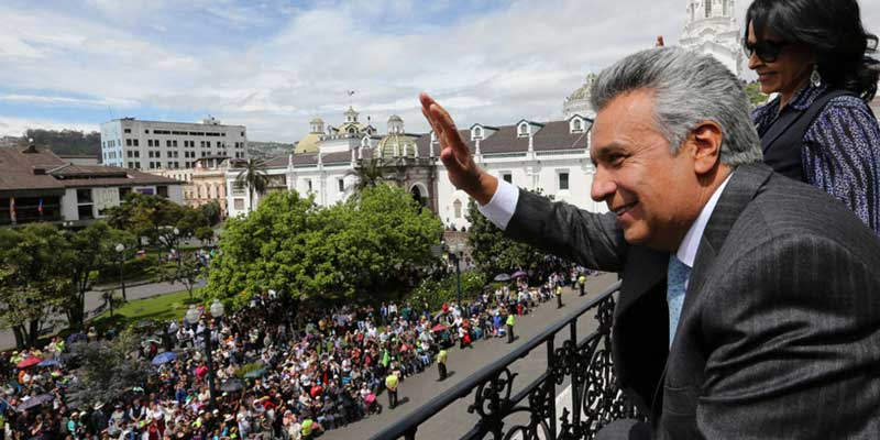 Lenín Moreno asiste a su primer cambio de guardia