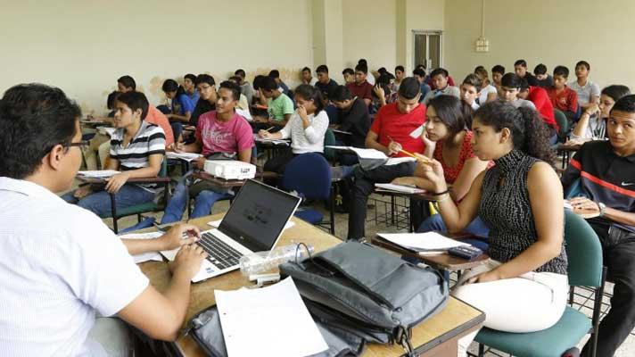 La Estatal recibe más alumnos de lo previsto
