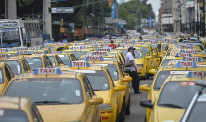 Guayaquil implementa de apoco servicios de taxi mediante apps