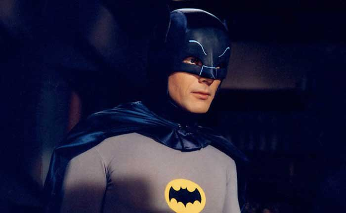 Muere Adam West el actor que le dio vida a Batman