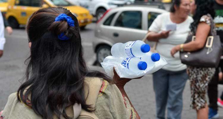 Agua contaminada embotellada