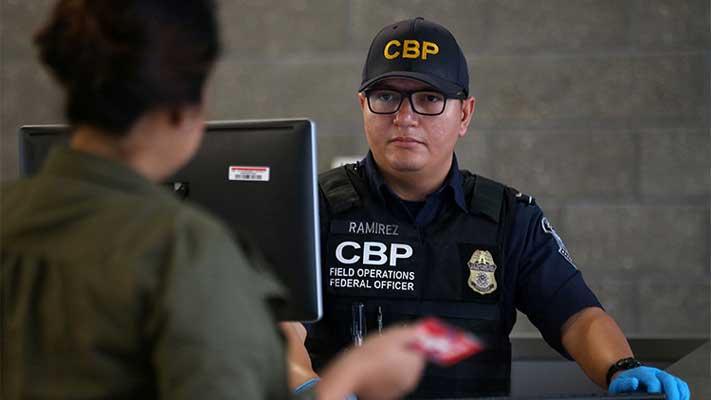 Corte Suprema de EEUU levanta parcialmente decreto migratorio de Donald Trump