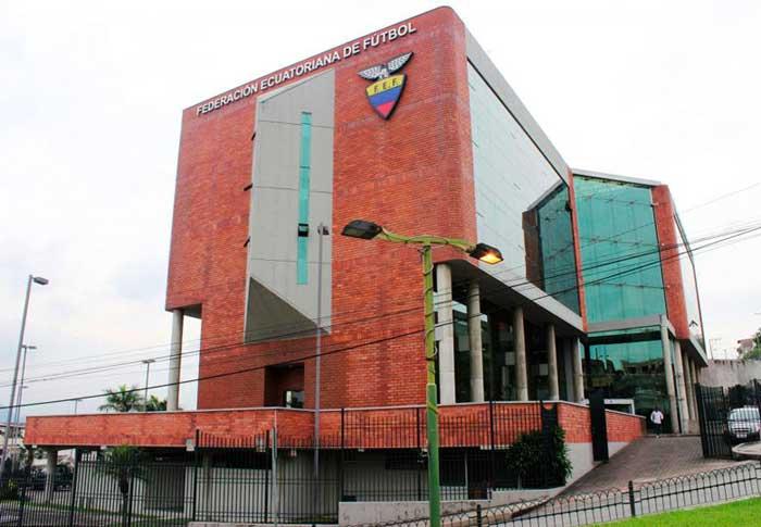 FEF da plazo para que el periodista peruano se disculpe