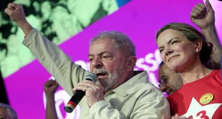 Lula lidera encuestas en Brasil