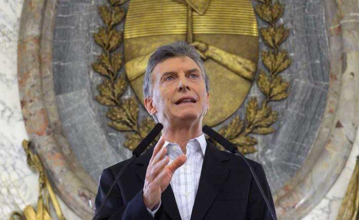 Mauricio Macri endeuda a Argentina