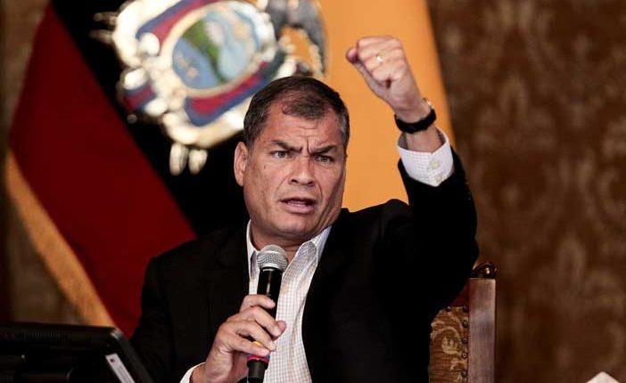 Oposición busca cerrar cuenta de Twitter de Rafael Correa