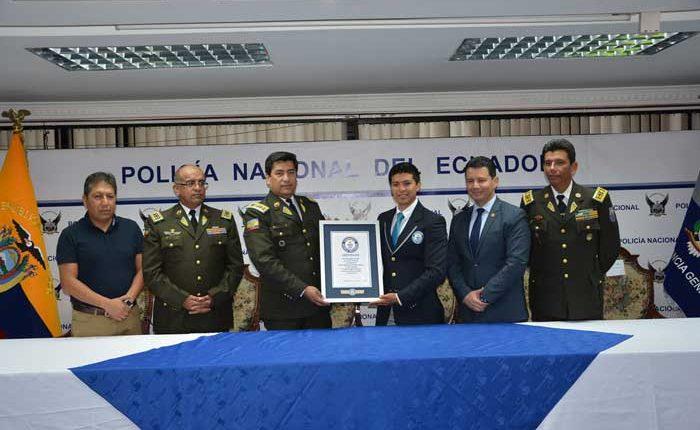 Policía Nacional rompe Récord Guinness