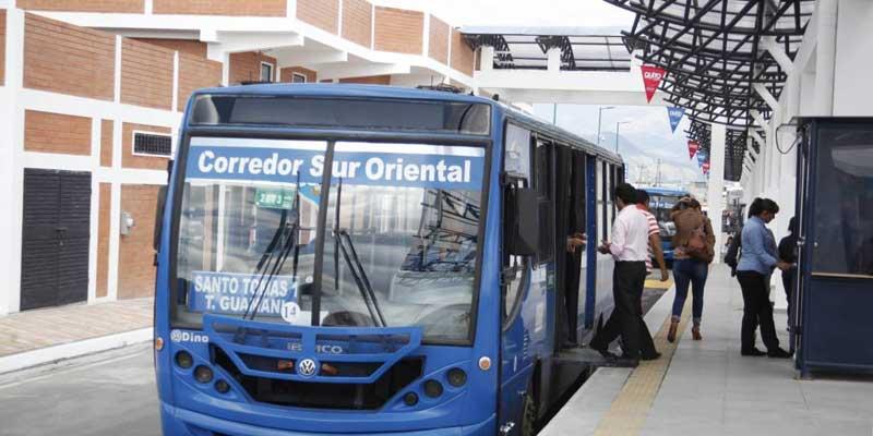 Suspenden alza de tarifa en Quito