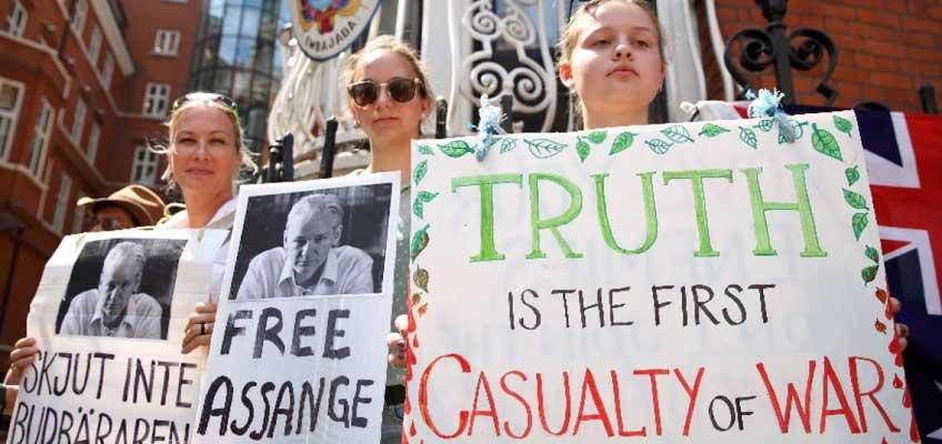 Julian Assange anula su discurso
