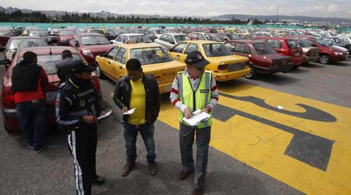 400 taxis irregulares son retenidos cada mes en Quito