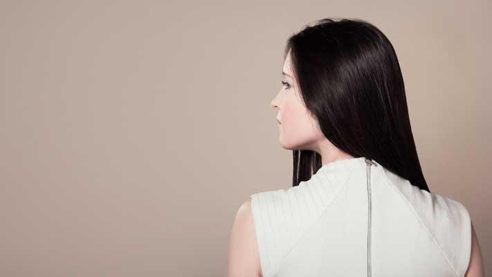Teñir el cabello y alisarlo aumenta el riesgo de cáncer de mama