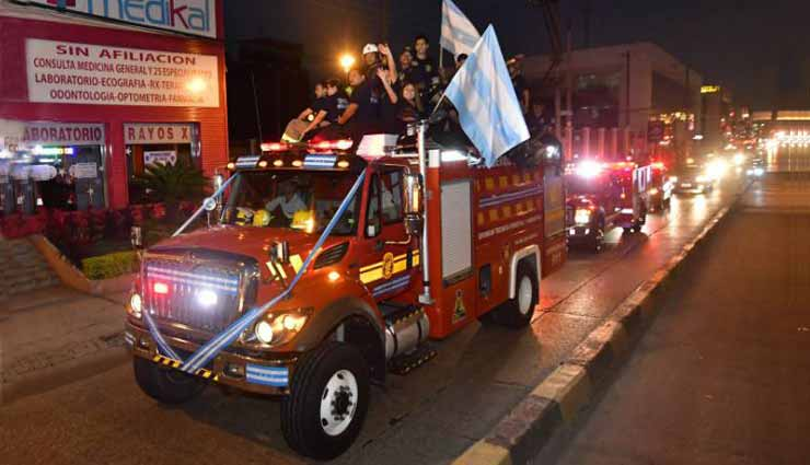 Bomberos celebraron a Guayaquil