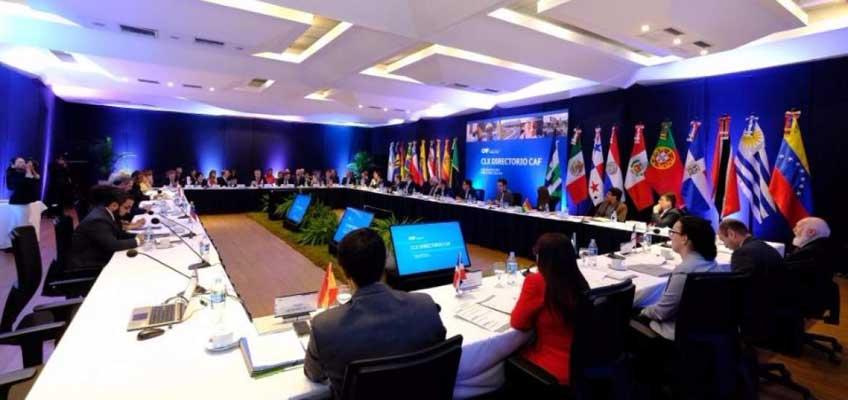 CAF prueba crédito para Ecuador