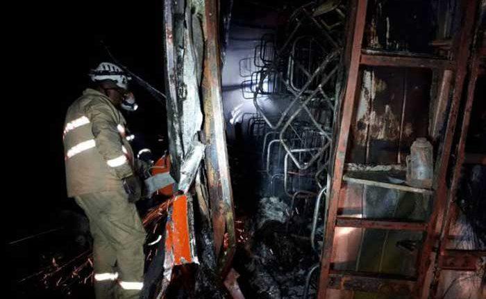 Accidente de bus en la vía Alóag-Santo Domingo deja 14 fallecidos