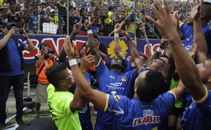 Delfín gana la primera etapa con goleada a Liga de Quito