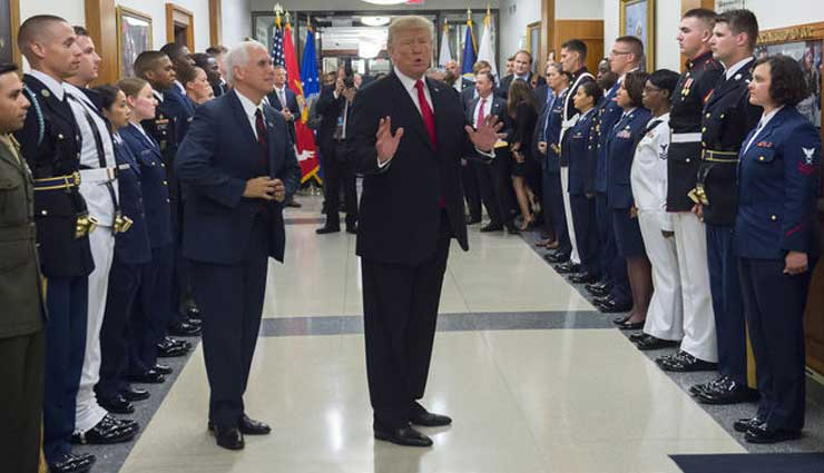 Donald Trump cierra puertas de las Fuerzas Armadas a transgéneros