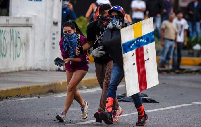 Arresto domiciliario de Leopoldo López anima a manifestantes