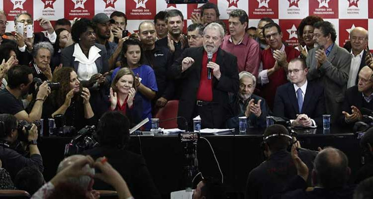 Lula da Silva anuncia su candidatura