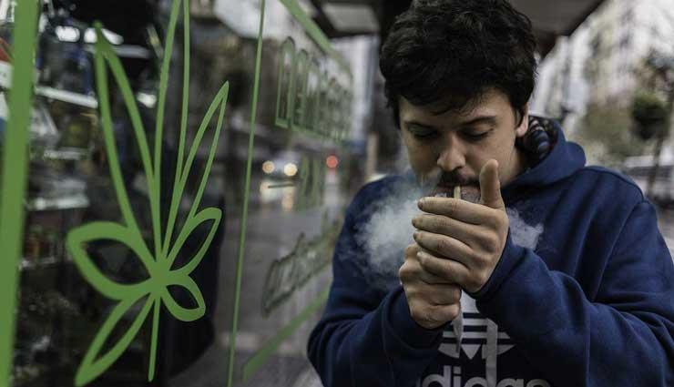 Uruguay empieza venta de marihuana en farmacias