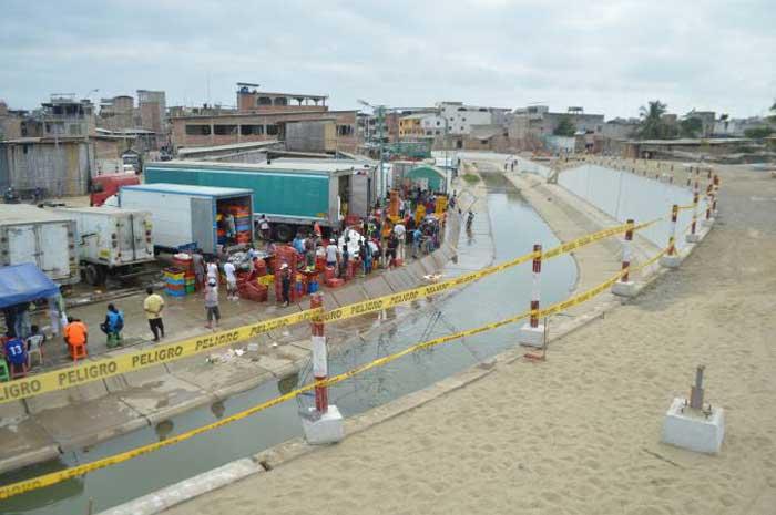 Suspenden construcción de muro en frontera con Perú