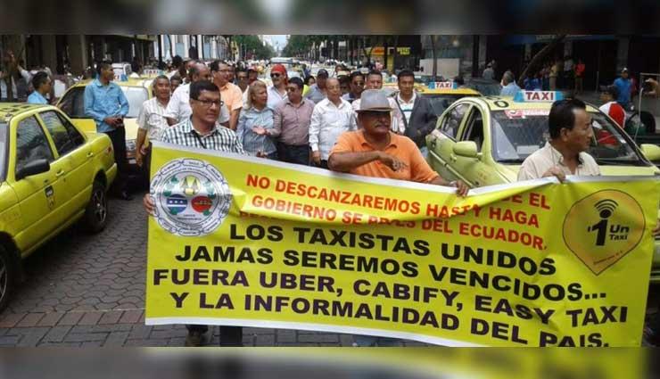 Taxistas se movilizan en Guayaquil para exigir salida de transnacionales
