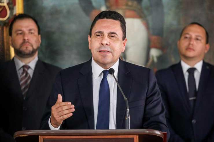 Venezuela advierte a Estados Unidos seguirá con constituyente