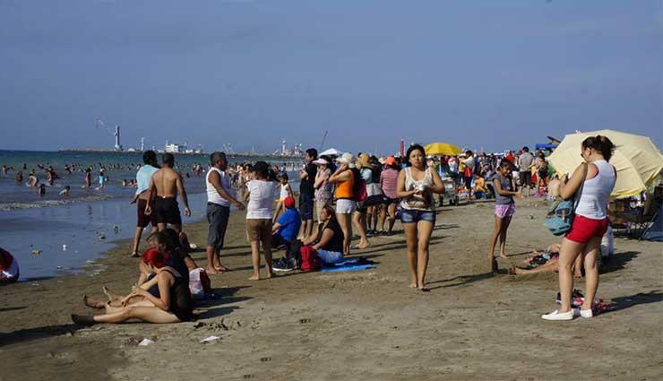Manta, Turismo, Playas