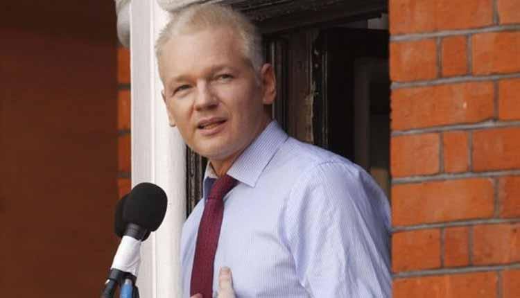 Julian Assange, Putin,