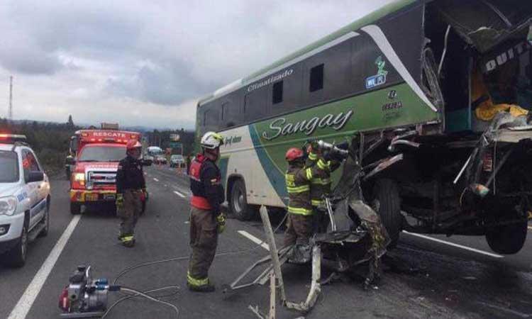 Accidente de Tránsito, Cotopaxi, Bomberos