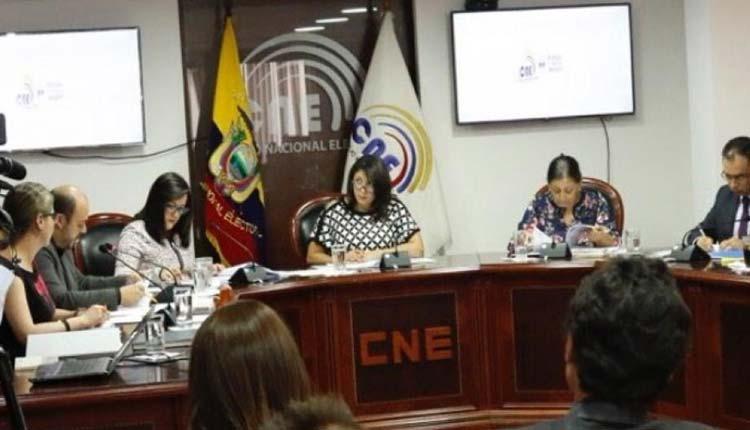 CNE, Ecuador, Política,