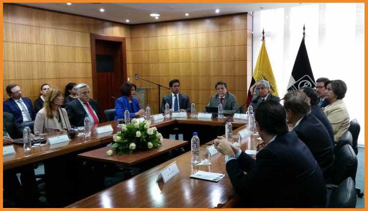 Contraloría notifica a Rafael Correa sobre auditoría a las deudas en su gobierno