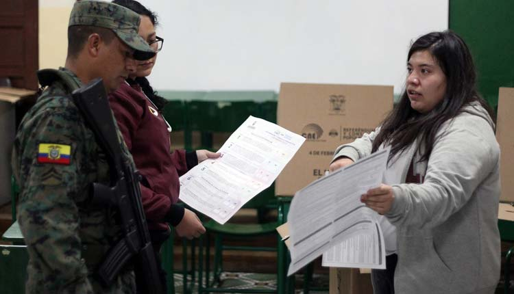 Consulta Popular, Ecuador, Referéndum,