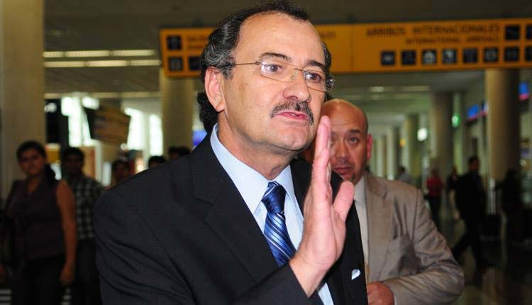 Carlos Polit, Fiscal,