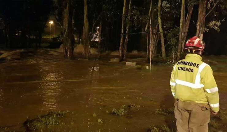 Desbordamiento de río Yanuncay causa inundaciones
