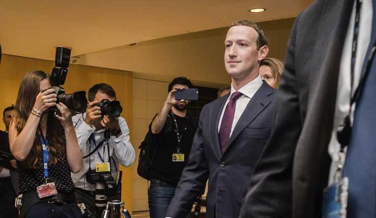 """La Unión Europea cuestiona a Zuckerberg por Facebook un """"monstruo digital"""""""