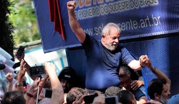 Tribunal de Brasil restituye a Lula derechos como expresidente