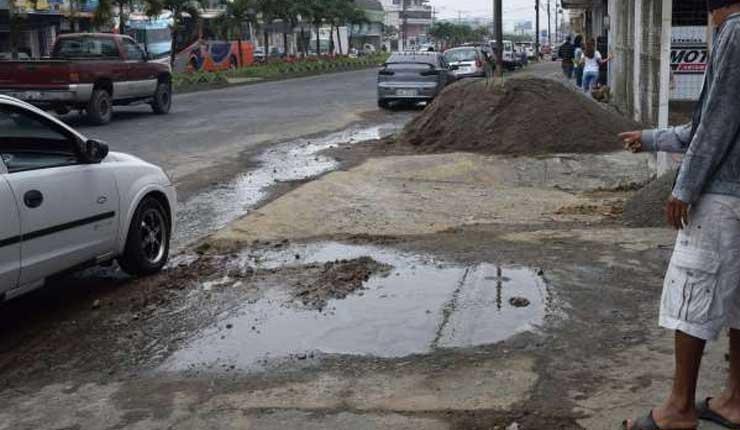 Fuga de agua, Santo Domingo, EPMT-EP,