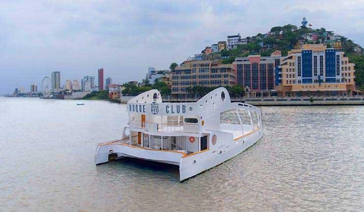 Un salón de eventos flotante navegará en el río Guayas