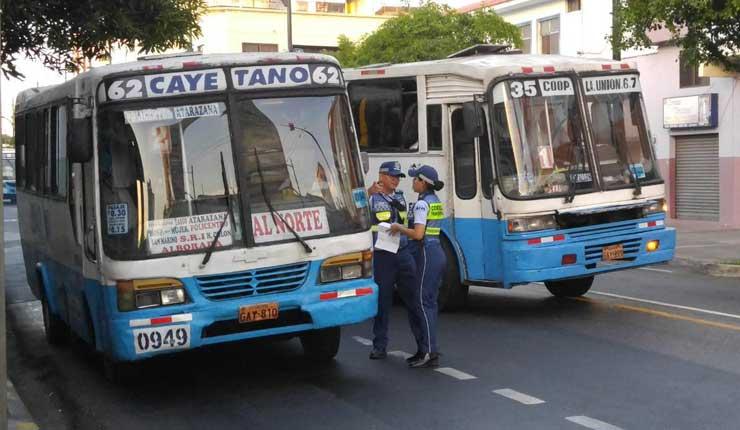 230 buses urbanos serán retirados del transporte público de Guayaquil