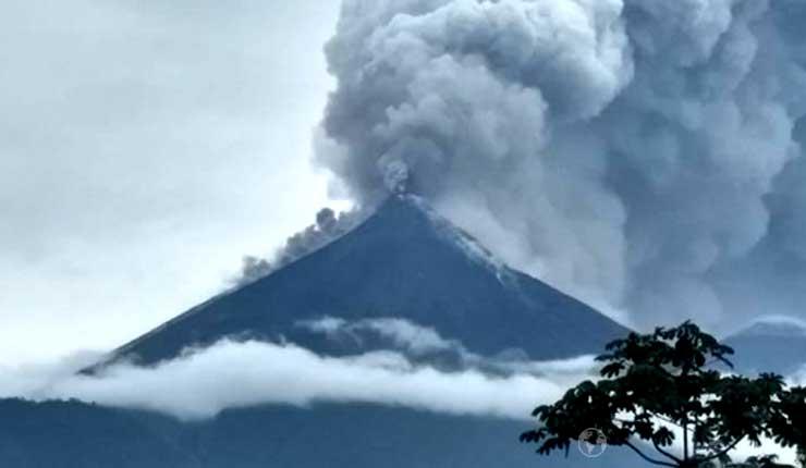 Al menos 7 muertos y 1,7 millones de afectados por erupción de volcán en Guatemala